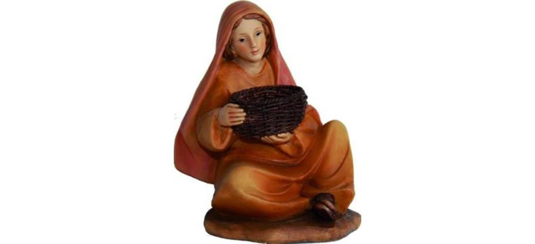 Krippenfiguren Magd mit Korb sitzend, geeignet für 7cm Figuren (4411210)